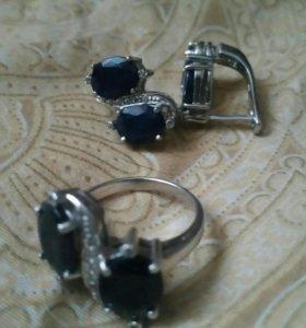 Серебрянный комплект с сапфиром