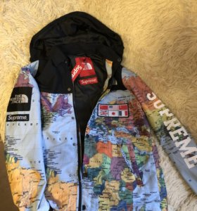 Куртка The North Face x Supreme (география)
