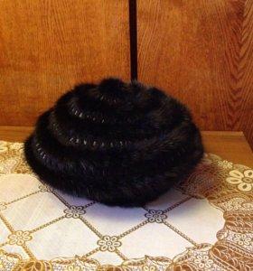Шапка из вязаной норки с шерстью