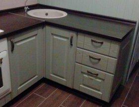 Замена фасадов и кухонных элементов.