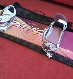 Сноуборд с креплением и ботинками