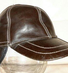 Новая зимняя кожанная кепка-шапка