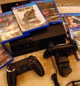 Sony PS4 с двумя геймпадами