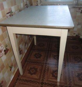 Кухонный стол размер 0.80 х 0.60 х 0.75 м