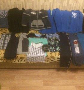Пакет одежды на мальчика 6,7 лет в хорошем сост