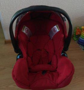 Детское автомобильное кресло Teutonia Tario