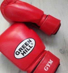 Детские боксёрские перчатки профессиональные.
