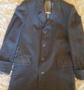 Продам пальто мужское.