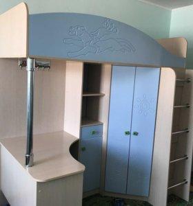 Шкаф детский + стол + кровать