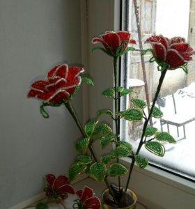 Красная роза из бисера