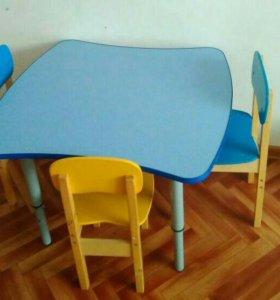Детский стол с регулировкой ножек