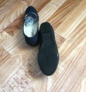 Туфли детские на девочку новые