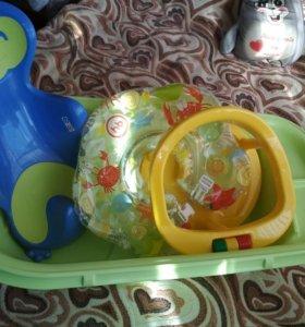 Ванночка детская+горка,стульчик для купания,круг