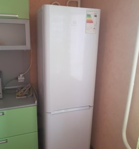 Холдильник INDESIT BIA18