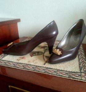 Туфли новые кожаные 34  размер