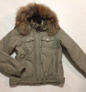 Куртка с мехом енота 42