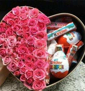 Цветы в коробке подарок на 8 марта