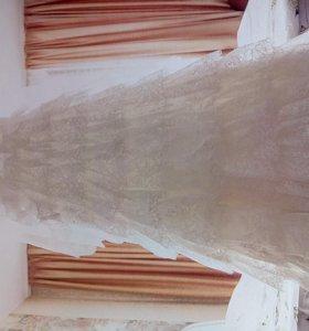Красивое свадебное платье +длинная фата
