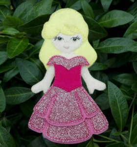 Кукла из фетра с одеждой