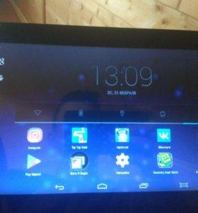 Большой планшет SupraM121G