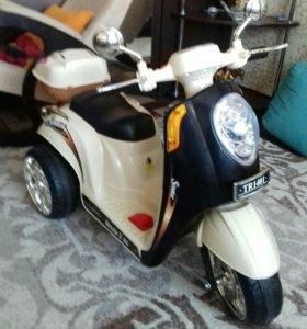 Детский мотоцикл на аккамуляторе.