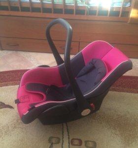 Детское Автомобильное кресло. От 0-13 кг.