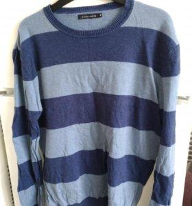 Отдам 2 мужских свитера размер м. Бронь на сегодня