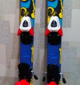 Горнолыжный комплект (лыжи и ботинки) детские