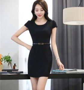 Платье чёрное обтягивающее