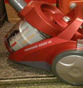 Новый пылесос Redmond RV-C316