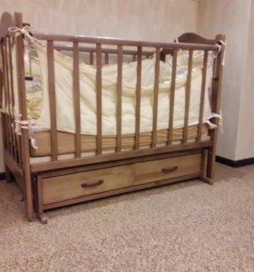 Кроватка с поперечным маятником
