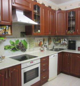 Кухня 3000 м. на 1600 м. угловая со всей техникой