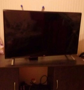 Телевизор TCL LED40D2700B + 2 подарка