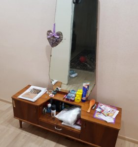 Тумба с зеркалом