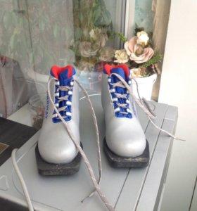 Ботинки для лыж, размер 33, обували раза 3