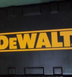 Шуруповерт DeVALT DW907