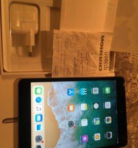 iPad mini 3 Wi-Fi 128GB как новый Ростест