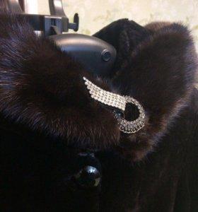 Мутоновая шуба с вставками из норки