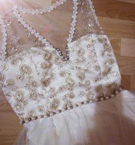 Платье и юбка на 42 размер. Новое!