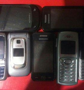 Старые телефоны (исправные и неисправные)