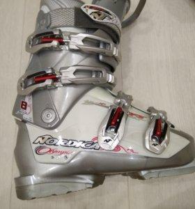 Горнолыжные ботинки Nordica Olympia 225-235 (37р)