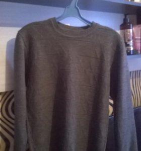 Серый тонкий свитер