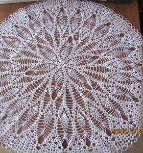 Салфетка-скатерть вязанная крючком размер 85 см.