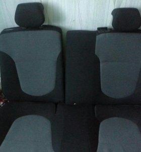 Заднее сиденье на хендай солярис хетчбек