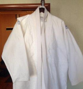 Мужское кимоно для занятий боевыми искусствами