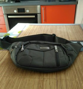 Мужская сумочка на пояс.