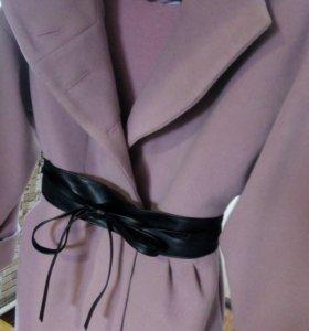 пальто кашемир 46 р,пудровый цвет