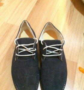Продам 2 пары мужских туфель
