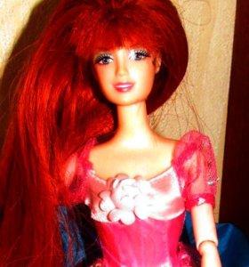 кукла с рыже-бордовыми волосами шарнирная