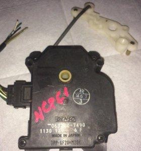 Сервопривод заслонки печки Toyota Vista ZZV50-1ZZF